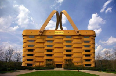 8 construções bizarras e muita brisa no mundo.