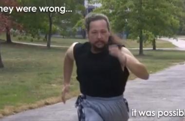 Ele perdeu 64 quilos em 10 meses sem conseguir andar. Como esse homem fez isso?