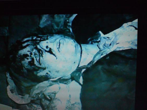 Cabeça ensanguentada da vítima Edward Evans.