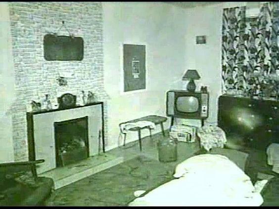 Sala da casa de Myra e Ian, onde ocorreu o último assassinato.
