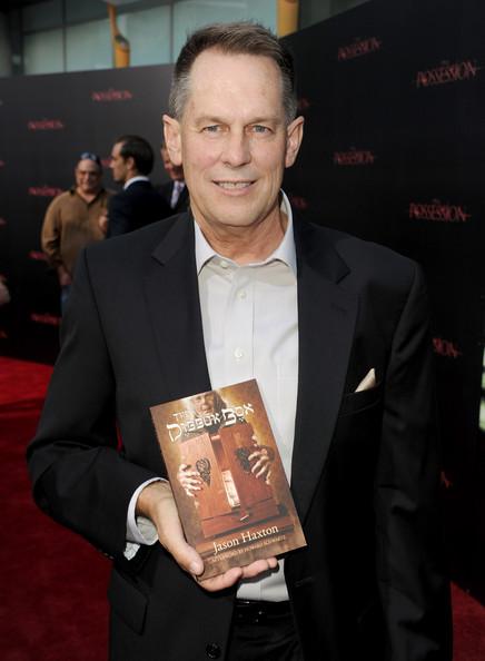 """Jason no lançamento de seu livro """"The Dibbuk Box"""""""