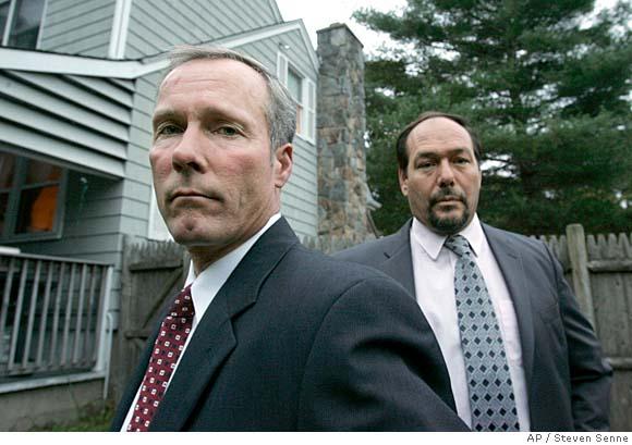 Detetives Kevin Collins e Tim Colgan, dois dos detetives responsáveis pelo caso de Craig Price