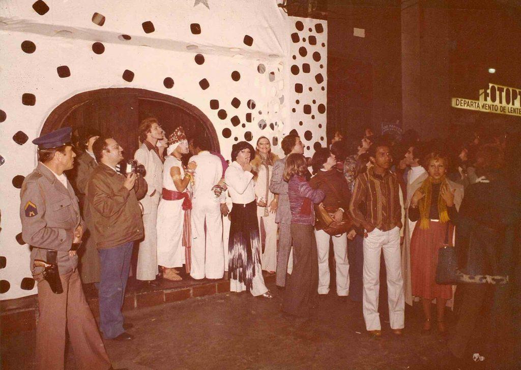 Viagem na noite LGBT de São Paulo - Dentro do Medieval