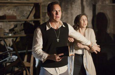 Filme Invocação do mal 3: um caso baseado num homem que foi possuído por um demônio que o fez agir como um lobisomem